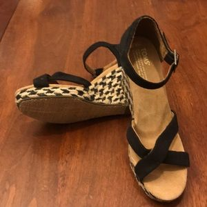 NEW TOMS wedge sandals